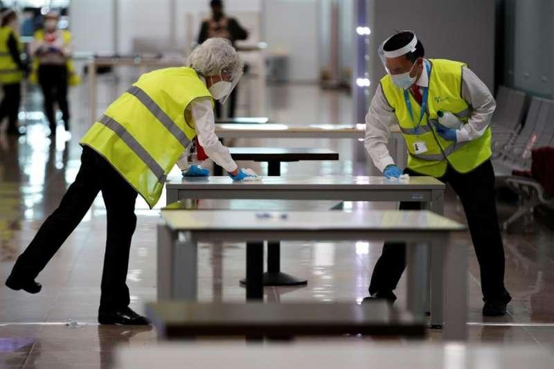 Los aeropuertos españoles, preparados para exigir PCR y hacer test antígenos por el coronavirus a los extranjeros